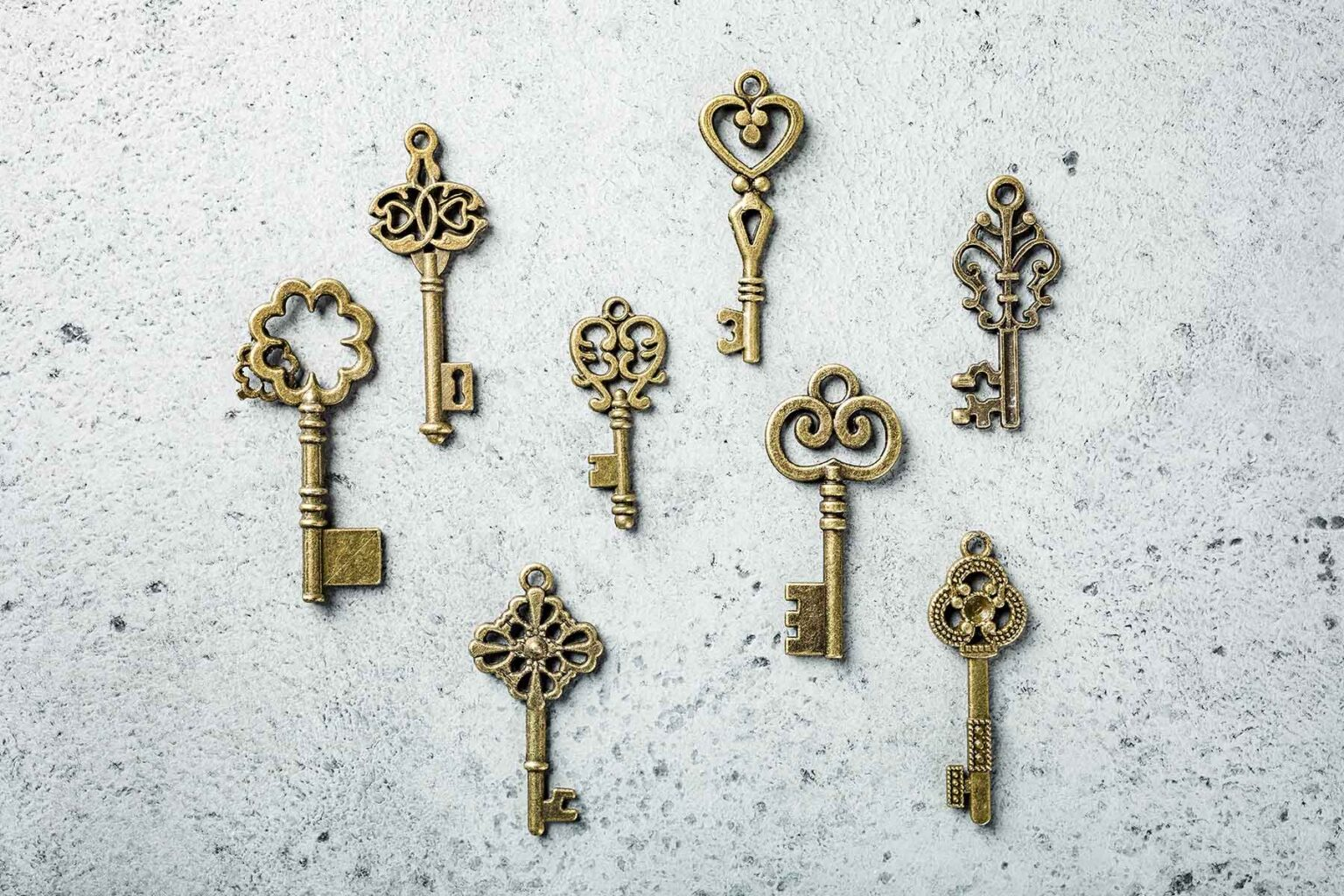 overhead-shoot-of-many-different-old-keys-58R8LAC.jpg